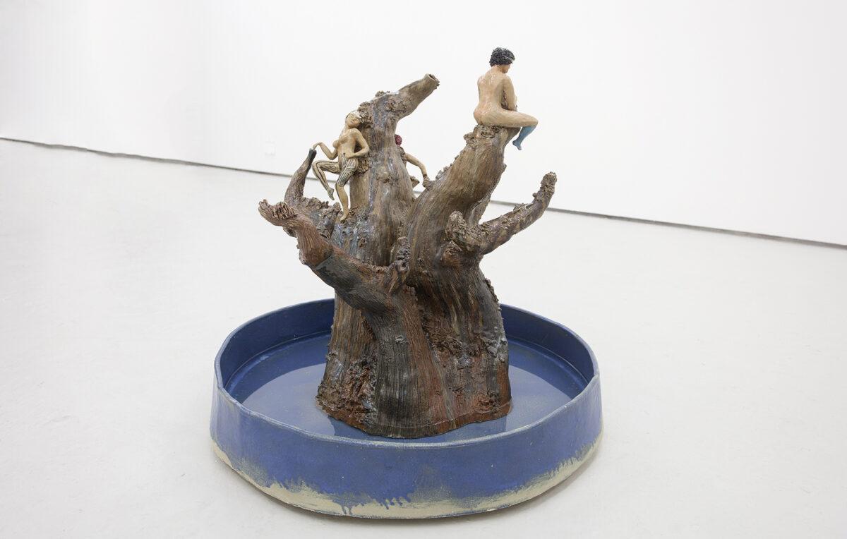 Union Pacific – Urara Tsuchiya - Untitled (Elsa fountain), 2019, Glazed Earthenware, 80 cm x 73 cm