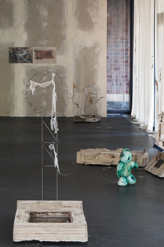 Union Pacific – Aleksander Hardashnakov - Aleksander Hardashnakov, installation view, ICHTS, Dortmunder Kunstverein, 2016, Dortmund, Germany